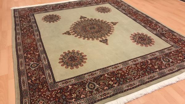 Ægte tæppe i grønne farver 200 x 200