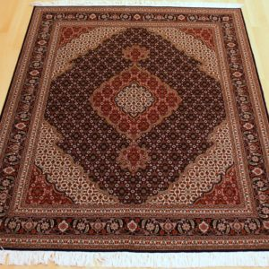 13081-96 Tæbriz Maralan m/silke 204 x 158 Kr. 35.000,-