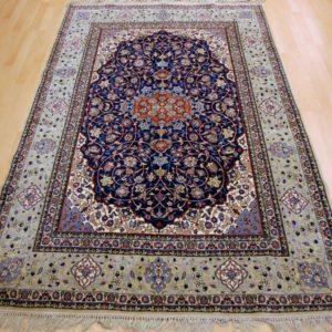 30727 Isfahan M/ & På Silke 243 x 150 Kr. 68.000,-