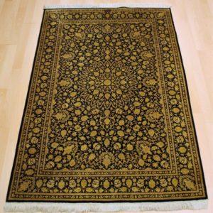 30806 Qum Helsilke, Iran 147 x 97 Kr. 25.000,-