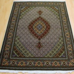 5578-35 Tabriz ms 215 x 150 Kr. 28.000,-