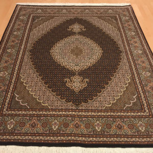 6574 Tæbriz m/silke 207 x 152 Kr. 29.800