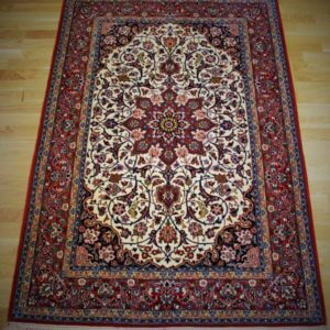 70084 Isfahan På/Silke 167 x 109 Kr. 25.000,-