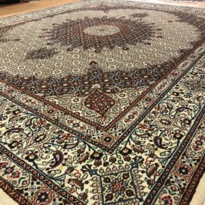 15068 Moud m/silke 300 x 240 Kr. 34.000,-