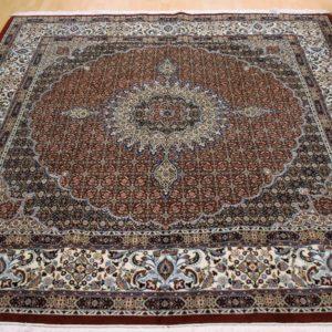 15072 Moud Sherkat m/silke 263 x 248 Kr. 35.000,-