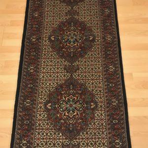 19004 Bidjar m/silke 210 x 76 Kr. 16.800,-