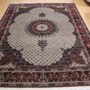 15071 Moud Sherkat m/silke 339 x 240 Kr. 39.800,-