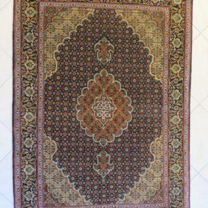 8005-32 Tabriz m/silke 150 x 105 Kr. 12.950,-