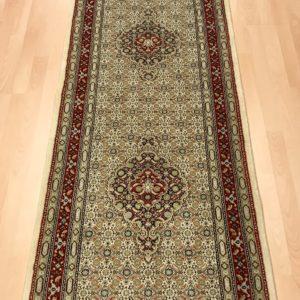 10152 Moud Sherkat m/silke 295 x 80 Kr. 8.500,-