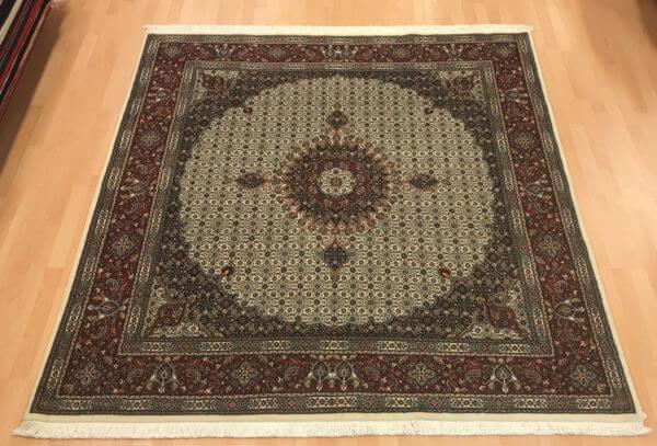 Moud sherkat med silke persisk tæppe