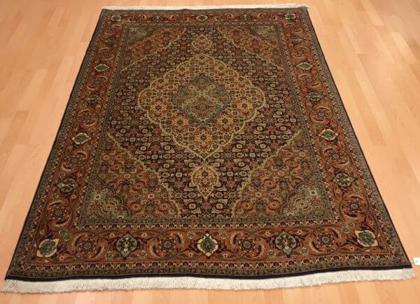 Semi antik Tæbriz tæppe