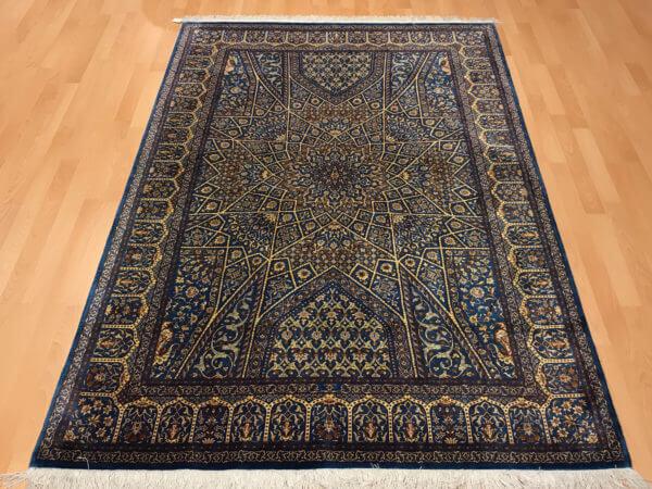 Qum silketæppe i babyblå farver Persisk ægte tæppe
