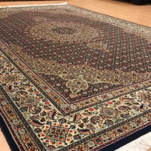 19026 Moud Sherkat m/silke 296 x 198 kr. 29.000,-