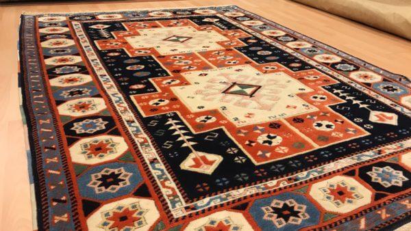 Håndknyttet tyrkisk tæppe