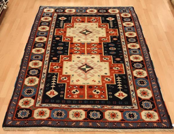 Tyrkisk tæppe i blå farver